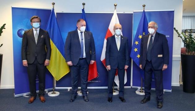 ウクライナ外相、EUとロシアの首脳会談再開案につき懸念表明