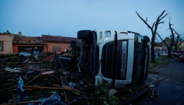 Данных о пострадавших от торнадо в Чехии украинцах на данный момент нет - посол