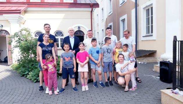 Посол України в Литві відвідав літній табір «Веселі канікули з Богом»