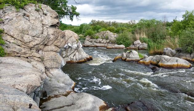 Erstaunliche Gebirgs- und Waldregion Mykolajiw