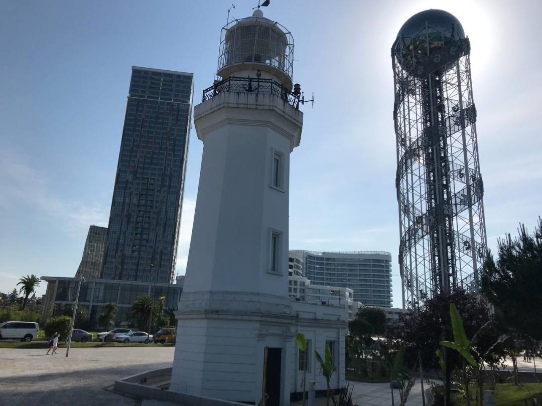 Батумський маяк і Алфавітна Вежа