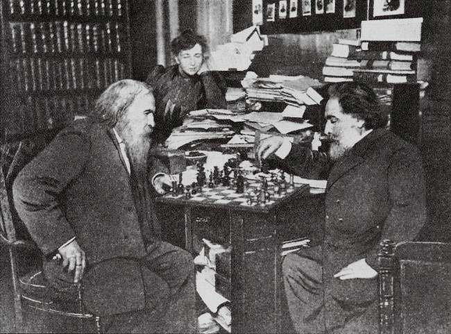 Архип Куінджі грає в шахи із Дмитром Менделєєвим