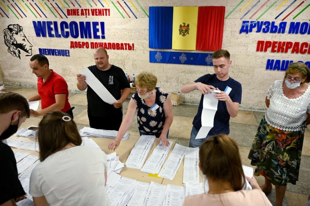 Разделение на прозападных и пророссийских политиков понемногу уходит в прошлое