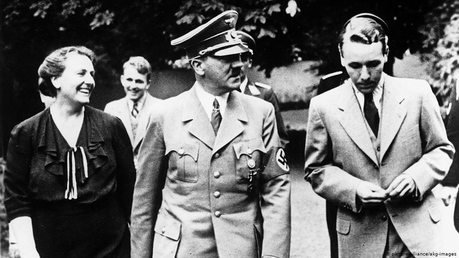 Вініфред Вагнер з Гітлером та синами