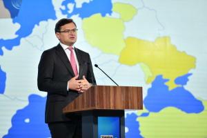 Кулеба: Зеленский вел бы разговор с Путиным с наступательных позиций