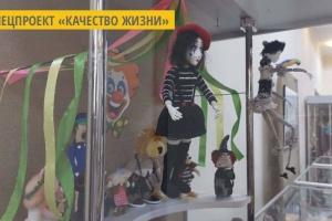 Николаевская мастерица изготавливает игрушки из подручных материалов