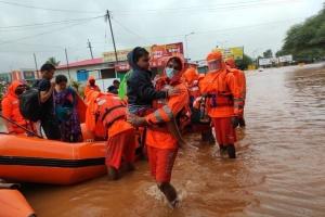 Число погибших из-за наводнений в Индии увеличилось до 110