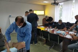 Медики Бундесверу готують поранених українських військових до відправки у Німеччину