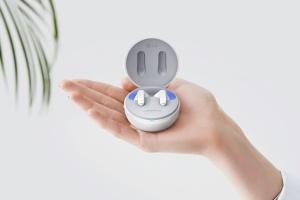 Дезинфікуючий чохол з ультрафіолетом: LG представила нові Bluetooth-навушники