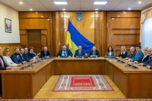 ЦВК акредитувала міжнародних спостерігачів КРЦ на всеукраїнські референдуми
