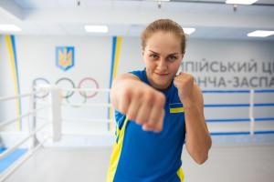 Лысенко вышла в четвертьфинал боксерского турнира Олимпиады-2020