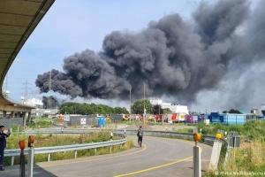 У Німеччині стався вибух на хімзаводі, людей просять не відчиняти вікна