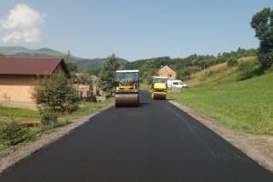 На Закарпатті відновлюють дорогу до водоспаду Шипіт
