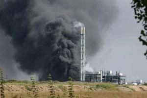 Взрыв на заводе: в Германии ищут пятерых пропавших без вести