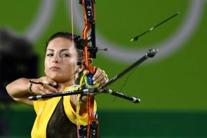 Лучниця Вероніка Марченко перемогла чемпіонку світу в 1/32 фіналу Олімпіади-2020