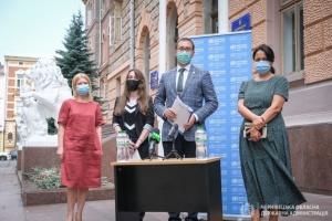 ВООЗ на Буковині відстежує, хто контактував з хворими на COVID-19