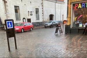 Потужна злива затопила вулиці кількох міст у Швеції