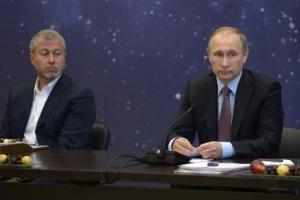 Чотири російських мільярдери судяться у Лондоні через книгу про Путіна