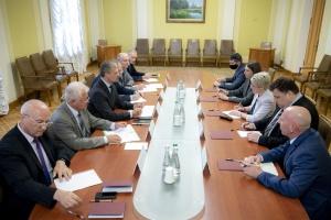 Візит Зеленського до США: В ОП кажуть, що вже домовилися підписати три документи