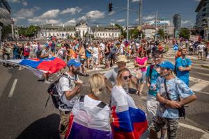 У Братиславі сотні людей заблокували центр - протестують через «пільги» для COVID-вакцинованих