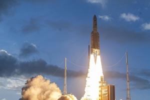 Ракета Ariane 5 вивела на орбіту перепрограмувальний супутник зв'язку