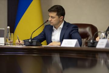 ゼレンシキー大統領、ウクライナ軍参謀総長など交代