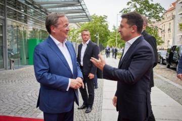 Treffen von Selenskyj und dem CDU-Kanzlerkandidaten Laschet