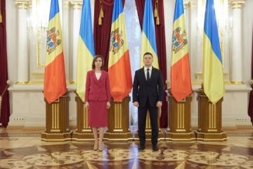 Selenskyj gratuliert Sandu zum Sieg ihrer Partei bei Parlamentswahlen
