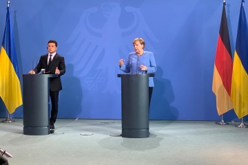 Germany continues to insist on holding elections in eastern Ukraine