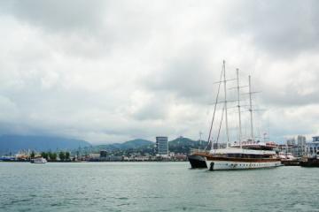 Georgia libera a los navegantes de yate ucranianos condenados por cruzar ilegalmente la frontera