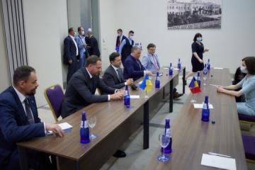 Zelensky, Sandu discuss trade and energy cooperation