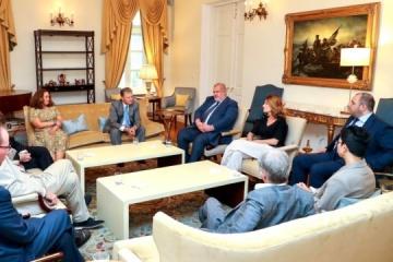 Kent erörtert mit Vertretern der Krimtataren Besetzung der Halbinsel