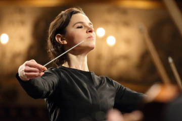 La chef d'orchestre ukrainienne devient la première femme à diriger un opéra au festival de Bayreuth