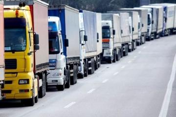 Turquía otorga a Ucrania 6.000 permisos adicionales de transporte por carretera