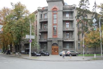 Український інститут продовжив термін подачі заявок на конкурс програми підтримки виставок за кордоном