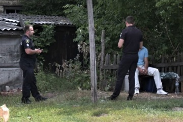 Загибель дівчинки на Харківщині: поліція патрулює будинок жертви і ймовірного вбивці