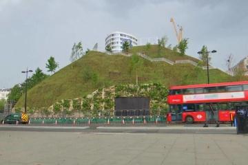 Туристи жорстко розкритикували штучний пагорб за £2 мільйони у лондонському Гайд-парку