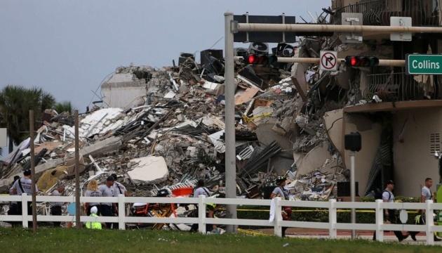 Из завалов дома в Майами достали тела двоих детей