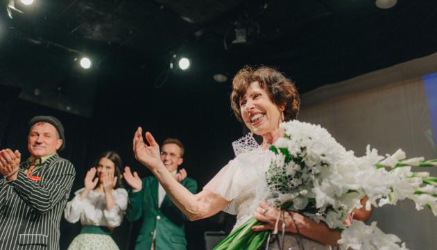 В киевском театре сыграла 70-летняя женщина в рамках благотворительного проекта