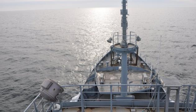 Риболовецьке судно, яке зазнало лиха у Чорному морі, відбуксують до Очакова