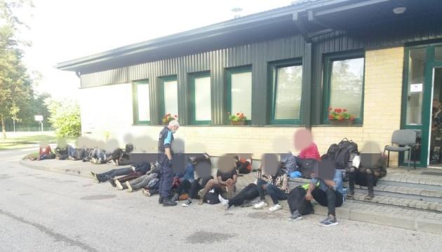 Миграционный кризис в Литве: пограничники открыли огонь на границе с Беларусью