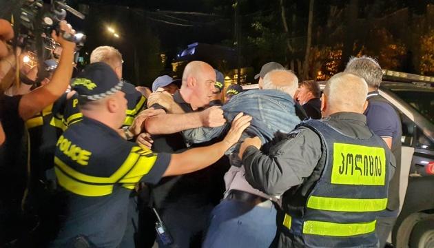 На ЛГБТ-акции в Тбилиси снова произошли столкновения