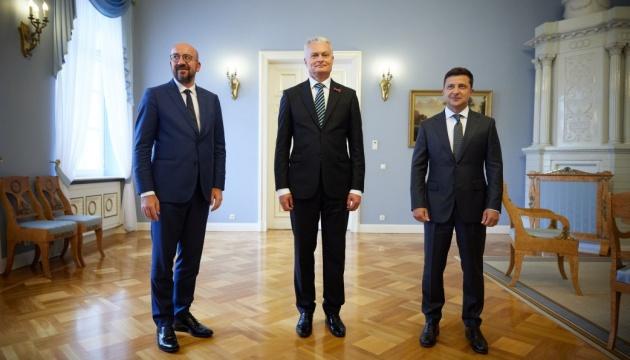 Zelensky wants U.S. to 'help' Russia end war in eastern Ukraine