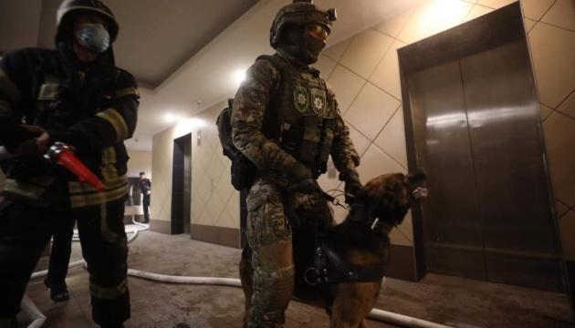 В Киеве задержали мужчину, который ранил двух человек и поджег квартиру