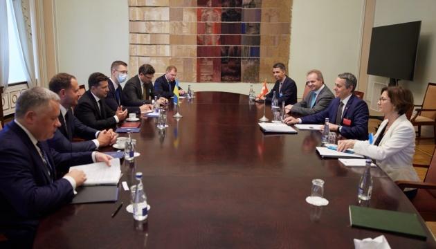 Зеленский обсудил с вице-президентом Швейцарии реформы в Украине и давление на РФ