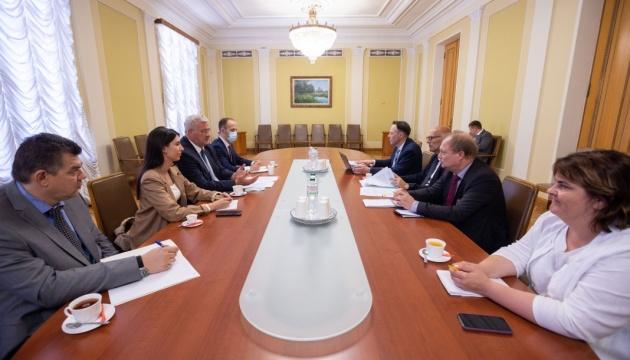 В Офісі Президента обговорили з делегацією ПАРЄ хід реформ в Україні