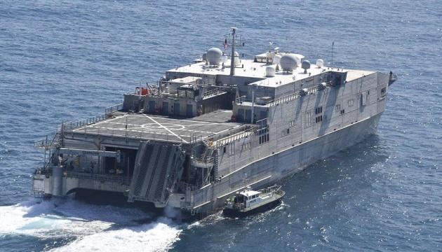 До Чорного моря прямує транспортно-десантний корабель ВМС США