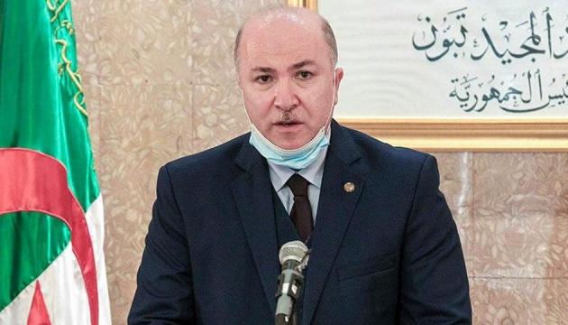 Прем'єр Алжиру захворів на COVID-19 - ЗМІ