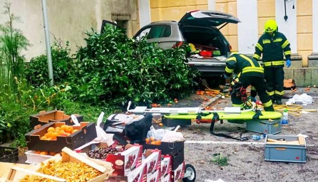 В Австрії 87-річний водій розніс овочеву ятку - 12 постраждалих