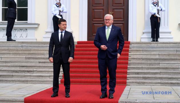 Zelensky y Steinmeier se reúnen en Berlín